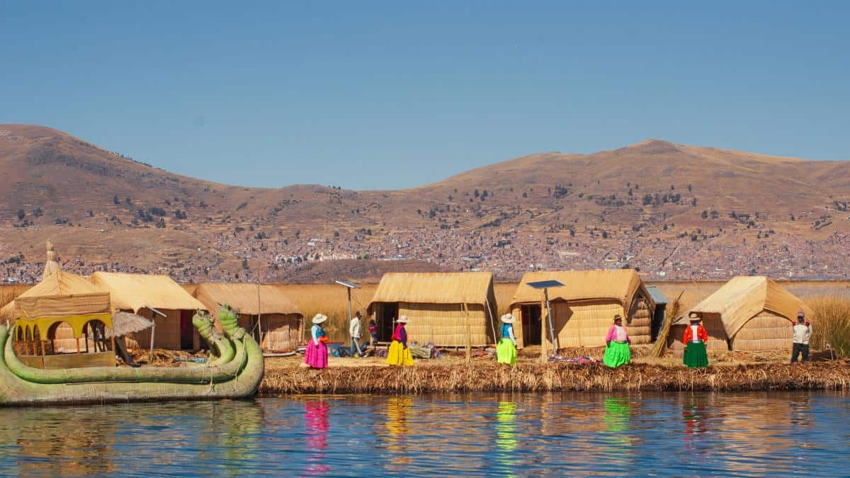 Turistas en Lago Titicaca